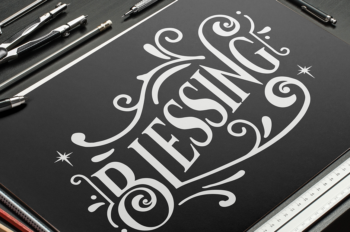Vondey - Holiday font & ornaments example image 5