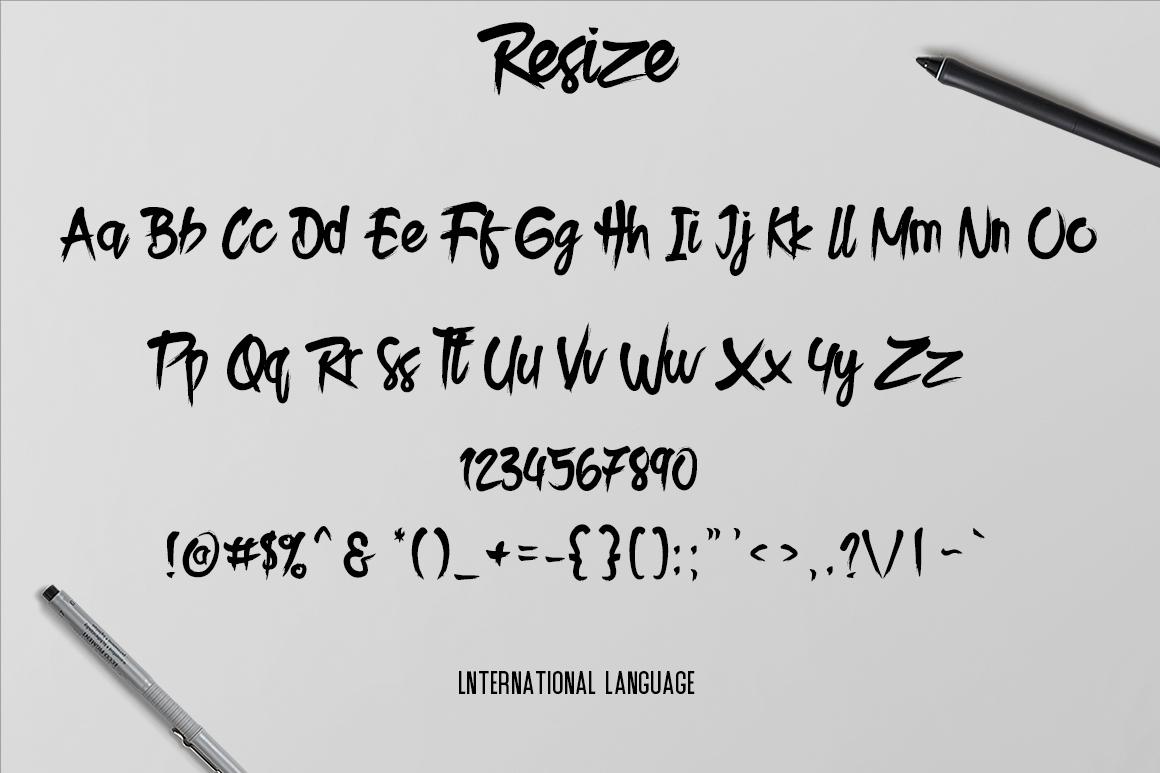 Resize Typeface example image 4