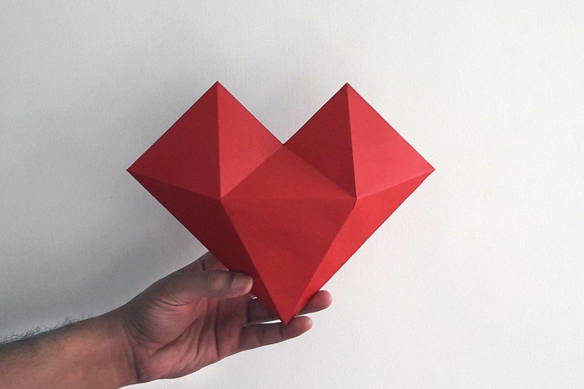 Diy paper hat heart 3d papercraft b design bundles diy paper hat heart 3d papercraft example image 2 jeuxipadfo Gallery