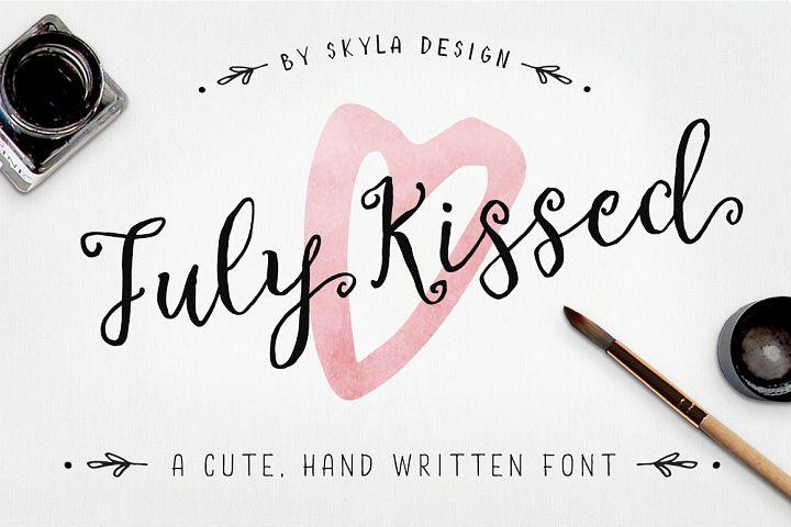 Cute, handwritten font - July Kissed